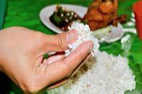 عکس فواید خوردن غذا با دست یا خواص با دست خوردن غذا